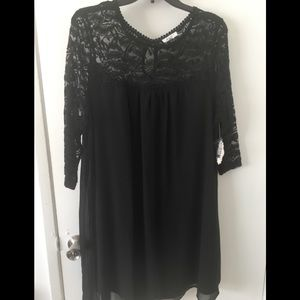 NWT 1X BLACK AUW LACE TUNIC